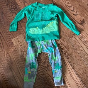 🛍3/$25 Dragon pyjamas in size 18 months